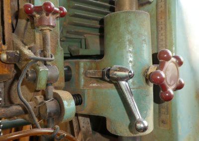 machine pour presser le bois