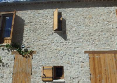 volets sur maison rénovée